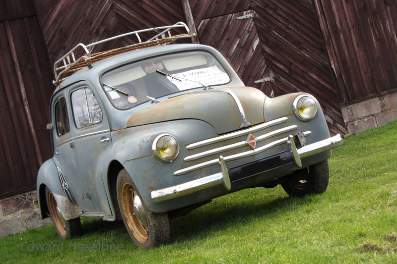 Renault 4CV.